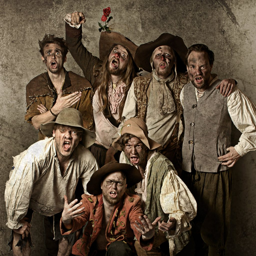 Have you already heard of the German folk rock band Knasterbart? They released their fourth album last november and they're lots of fun. Read the review here.